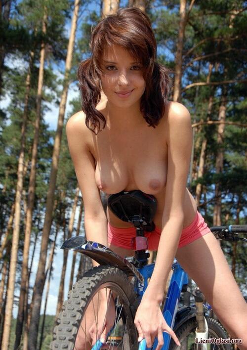 seksi_biciklistkinje_017.jpg
